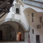Interno_castello_Poppi___Corte_interna_(Francesca_Donatelli)__1